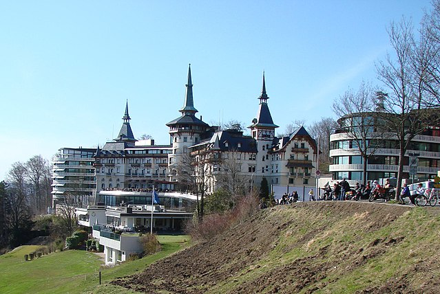 Datei:Dolder Grand Hotel - Aussenansicht.jpg