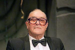 Sjef van Oekel - Dolf Brouwers as Sjef van Oekel.