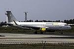 EC-MJB A320 Vueling OPO.jpg