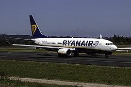 File:EI-DPM 737 Ryanair SCQ.jpg