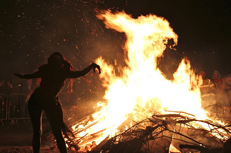 File:Edinburgh Beltane Fire Festival 2012 - Bonfire.JPG