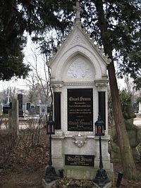 Eduard Strauss - Grab.JPG