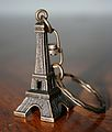 Eiffel Tower Keychain, 26 December 2006.jpg