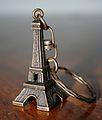 Eiffel Tower Keychain, 26 December 2006.jpg
