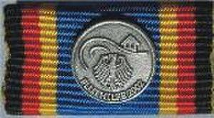 German Flood Service Medal (2002) - Image: Einsatzmedaille Fluthilfe 2002 Ribbon
