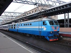 """2009 Nevsky Express bombing - Electric locomotive Škoda ChS200 (66E) with """"Nevsky Express"""" train"""