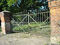 Element bramny zachodniej części ogrodzenia parkowego..JPG