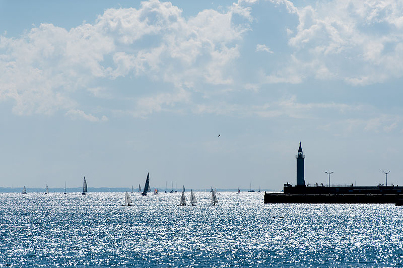 File:Enoshima sea.jpg