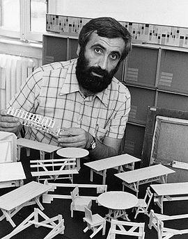 Enzo Mari 1974.jpg