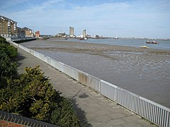 Erith, William Cory Promenade - geograph.org.uk - 717068.jpg