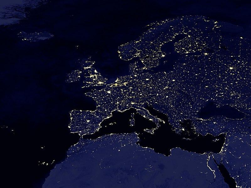 File:Europa-bei-nacht 1-1024x768.jpg