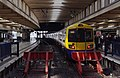Euston station MMB 95 378216.jpg