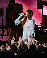 Florence and the Machine 12 09 2018 -18 (32834292168).jpg