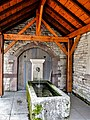 Fontaine-lavoir couverte, au centre du village Fougerolles-le-Château.jpg
