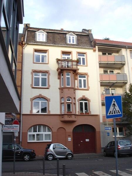File:Frankfurt-Bockenheim, Falkstraße 82H, aktuelle Bebauung 4.jpg