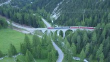 File:From Preda to Bergün with Rhaetian Railway, aerial video.webm