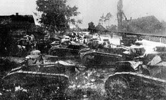 Renault FT - Polish FT tanks during the Battle of Dyneburg.