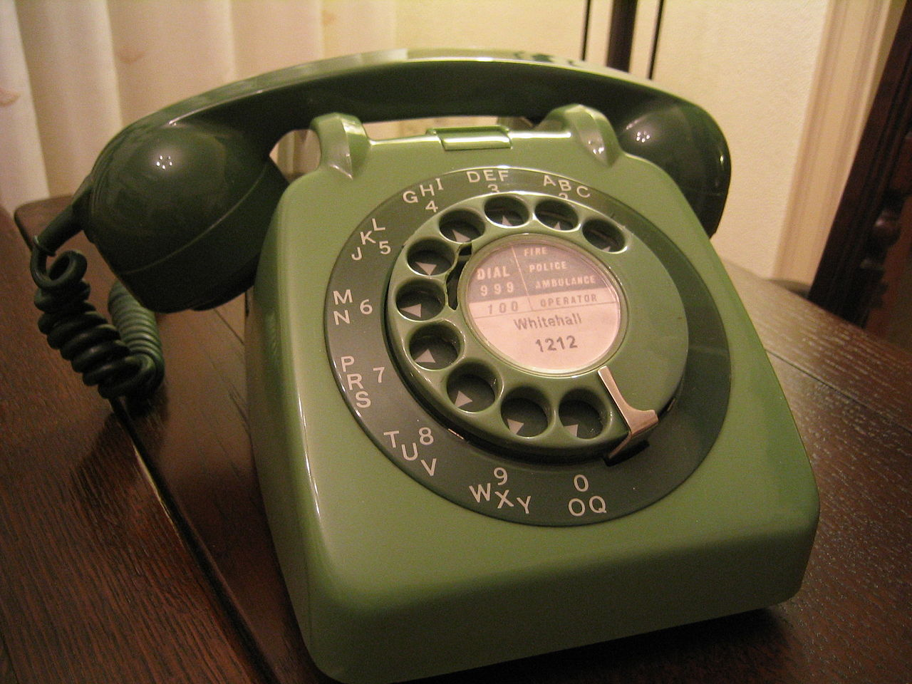 1280px-GPO_706_Green_Telephone.JPG