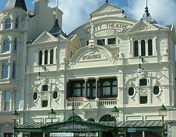 Gaiety Theatre facade, situated roughly in the centre on the promenade as it sweeps around the bay of Douglas town