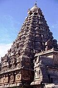 Gangaikonda Gopuram 5-10a.jpg