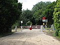 Gated level crossing - geograph.org.uk - 494257.jpg
