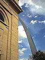 Gateway Arch seen from the Basilica of St. Louis, King of France, in St. Louis, Missouri, U.S.A.jpg