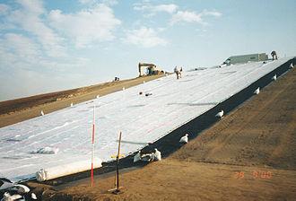 Geocomposite - Image: Geocomposite drain installation 2