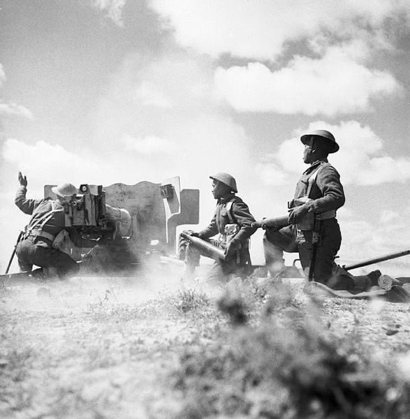 File:Ghurkas in action with a 6-pdr anti-tank gun in Tunisia, 16 March 1943. NA1103.jpg