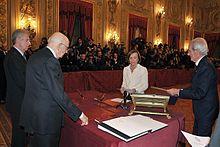 Elsa Fornero giura nelle mani del presidente della Repubblica (16 novembre 2011).