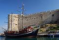 Girne Hafen unter der Festungsmauer 4.jpg