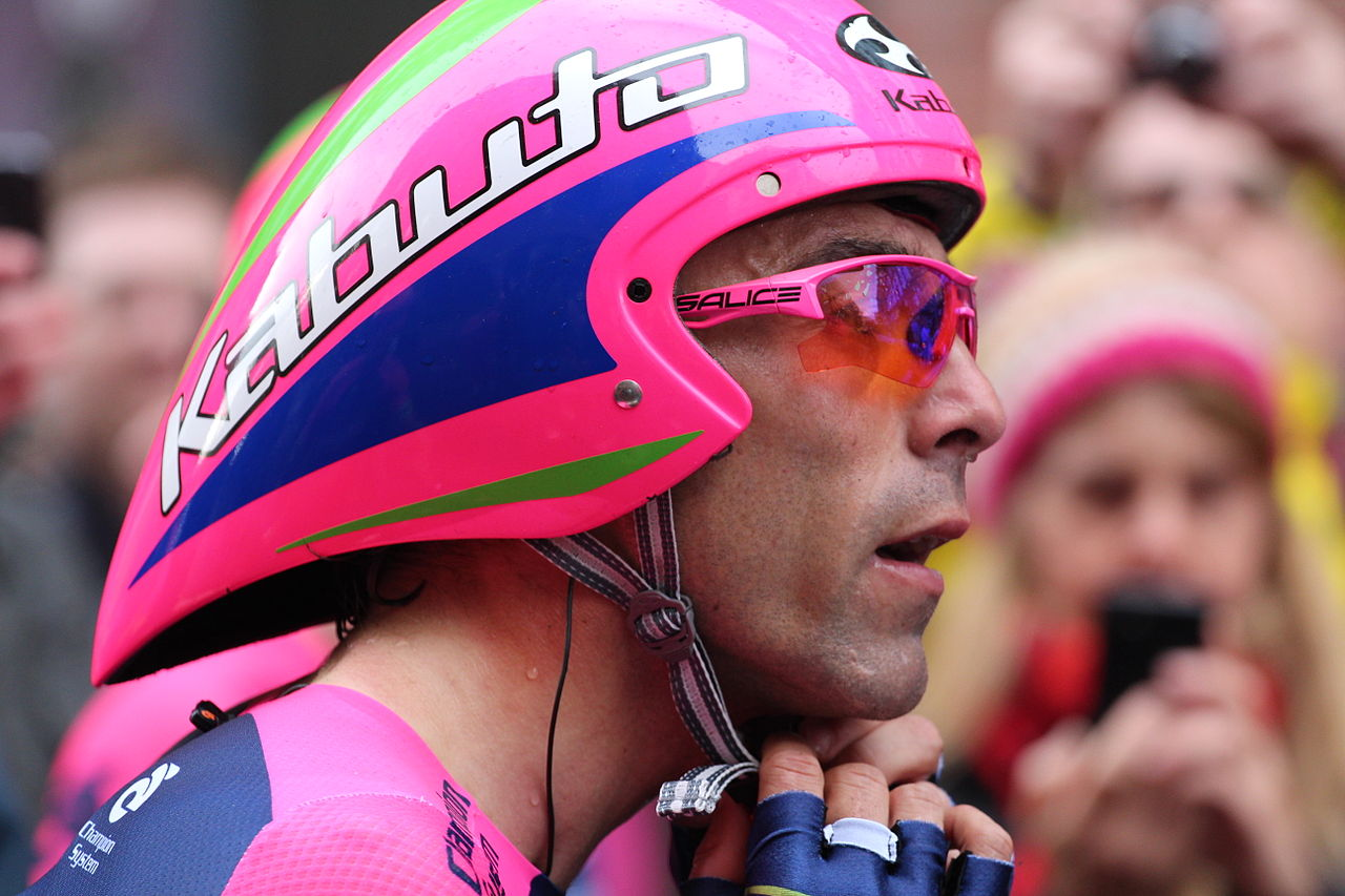 File:Giro d'Italia 2014, Belfast, May 2014 (06).JPG ...