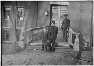 Benjamin Bates IV - Workers in industrial Lewiston, in the late nineteenth century