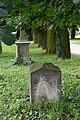 Graves - Groby - panoramio.jpg