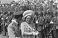 Groothertog Jan van Luxemburg en koningin Juliana na aankomst op het vliegveld L, Bestanddeelnr 924-7106.jpg
