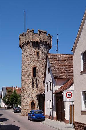 Großwallstadt - Image: Grosswallstadt Runder Turm 01