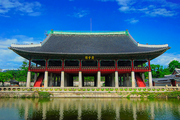 http://upload.wikimedia.org/wikipedia/commons/thumb/4/4b/Gyeongbok_Palace_main_attraction.png/180px-Gyeongbok_Palace_main_attraction.png