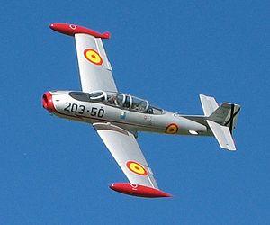 Hispano HA-200 - Image: HA 200 Saeta (recortada)