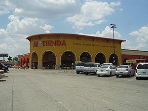 "Hispanics and Latinos in Houston - H-E-B Mi Tienda (""My Store"") in northern Houston"