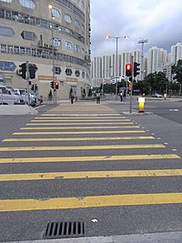 HK Kln Bay evening Kai Cheung Road 啟祥道 Sino Industrial Plaza yellow line crossway Wang Kwong Road.JPG