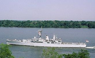 HMS Euryalus (F15) - Image: HMS Euryalus (F15) underway in 1987
