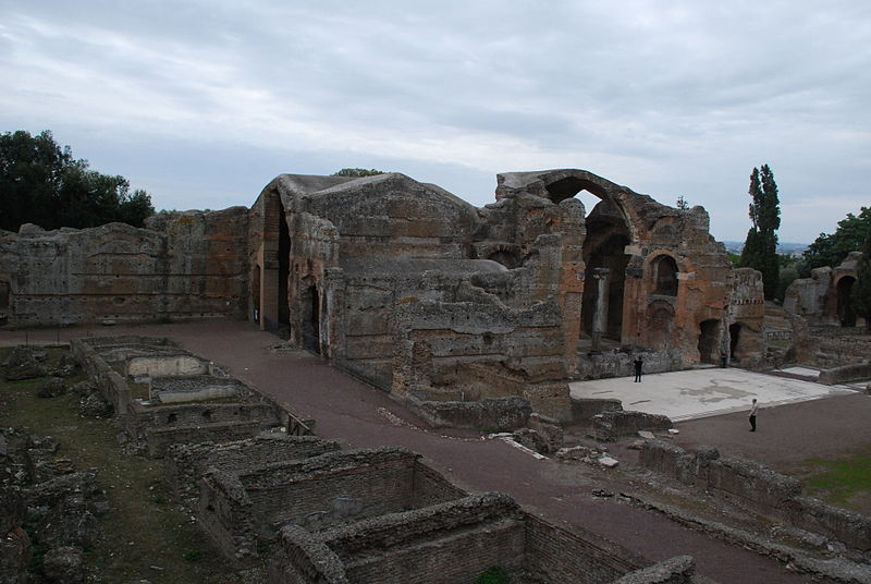 File:Hadrian's villa near Tivoli 223.JPG