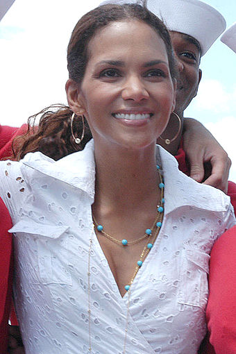 Berry, visiting with sailors and Marines during the opening day of Fleet Week, New York 2006 Halle Berry - USS Kearsarge a.jpg