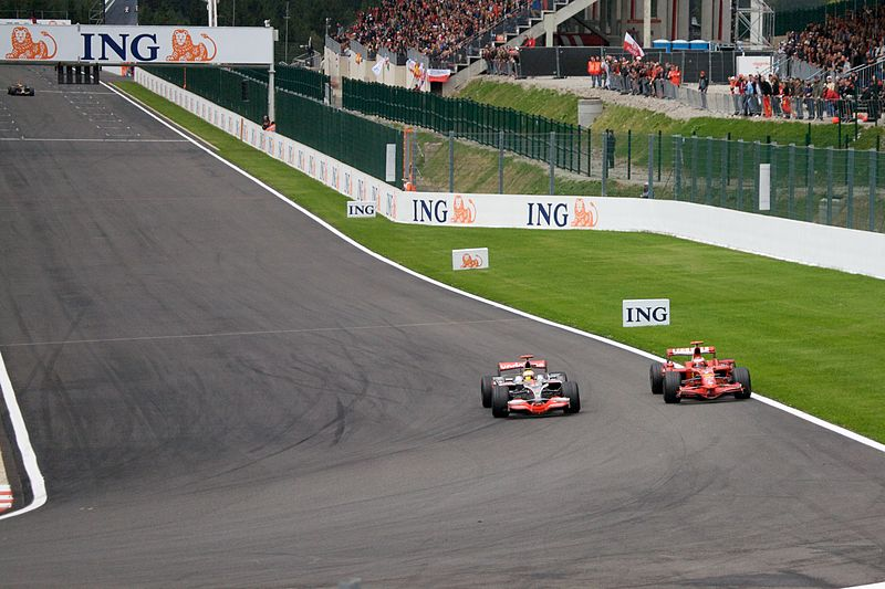 Hamilton %2B Raikkonen 2008 Belgium 2.jpg