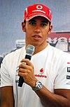 Lewis Hamilton parlant lors d'une conférence de presse au Grand Prix de Singapour 2008