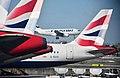 Heathrow (40173105995).jpg