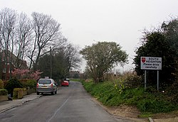 Heighton Road, entrance to South Heighton from Denton - geograph.org.uk - 724888.jpg
