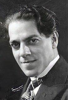 Heitor Vila-Lobos (c. 1922)part.jpg
