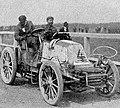 Henri Fournier victorieux à Berlin (Paris-Berlin 1901).jpg