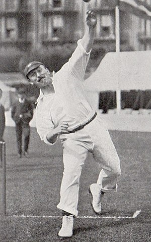 George Hirst - Image: Hirst bowling 2