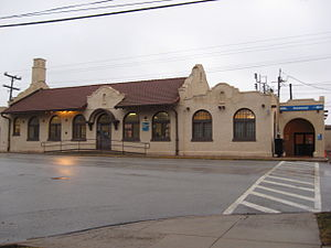 Homewood Metra Amtrak Station.jpg